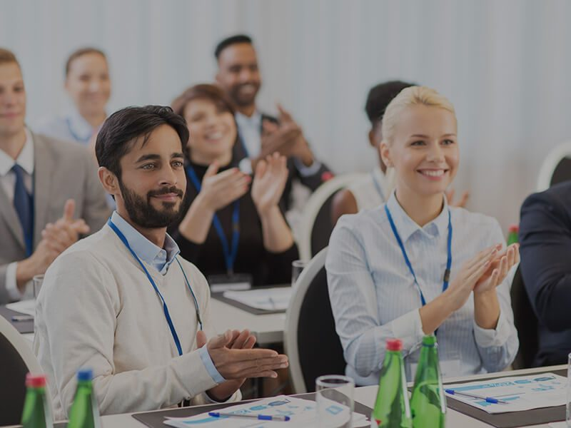 usos-y-beneficios-de-la-traduccion-simultanea-en-eventos-internacionales
